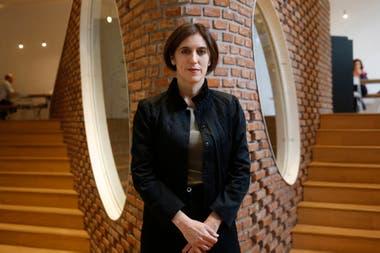 Victoria Noorthoorn, directora del Museo de Arte Moderno de Buenos Aires, en el flamante bar del museo