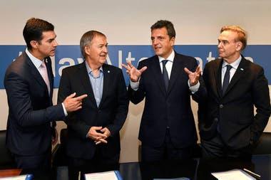 Los cuatro referentes del sector: Schiaretti, Massa, Urtubey y Pichetto evitaron las definiciones