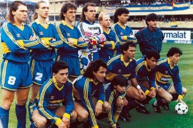 Formación de Boca durante el Apertura 93, el último torneo que el club utilizó camisetas Adidas.