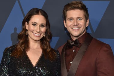 El actor de Downton Abbey Allen Leech y su esposa, Jessica Blair.