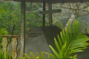 La tumba de Cobos, en la parroquia donde creó su ingenio.