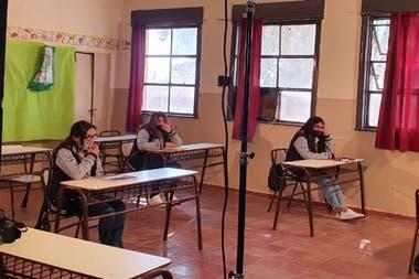 Dentro de las aulas, distancia entre alumnos debe ser de 1,5 metros