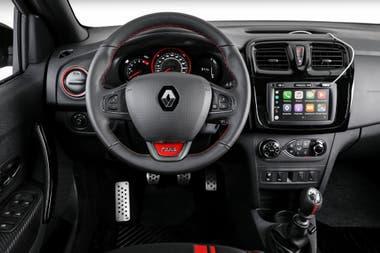 El interior también tiene un estilo deportivo definido