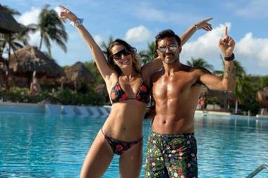 Fabián Cubero en México con su novia, Mica Viciconte