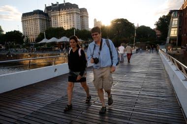 La llegada de más visitantes: el turismo se convirtió en los últimos años en el cuarto complejo exportador de la Argentina; la estimación oficial es que en 2020 habrá 9 millones de viajeros llegados desde el exterior y que la actividad será la fuente de empleos para 1,5 millones de personas