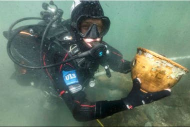 Los arqueólogos usaron sonares y equipos submarinos de fotogrametría para escanear el arrecife de Khoa