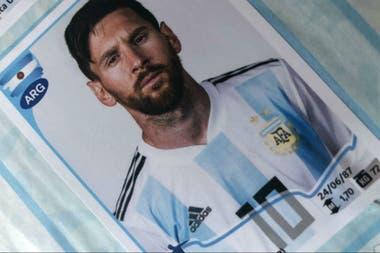 La figurita de Lionel Messi en el álbum de la Copa América Brasil 2019