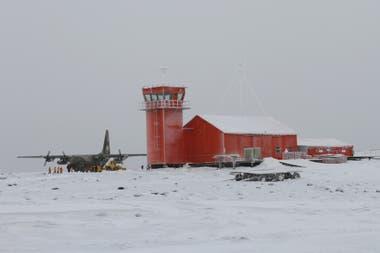 El detector de rayos cósmicos está instalado en la base Marambio