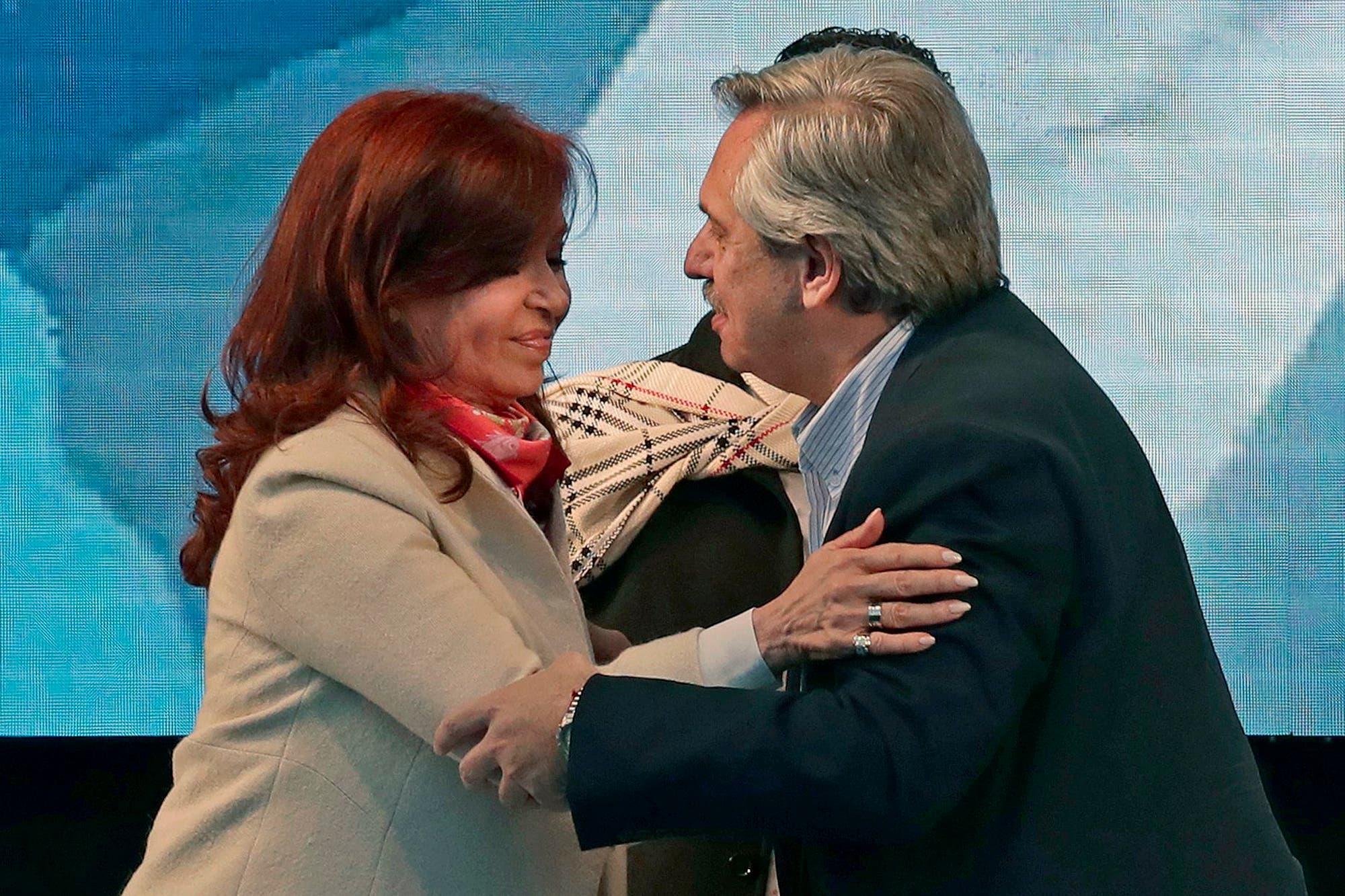 """Zuleta Puceiro: """"Máximo Kirchner y Marcos Peña monopolizaron la selección de las listas"""""""