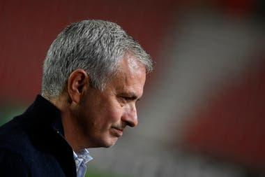 José Mourinho no esperaba una derrota de Tottenham contra el Royal Antwerp en Bélgica