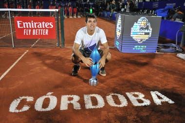 El chileno Cristian Garín, campeón del Córdoba Open 2020, se bajó de Australia por una lesión de muñeca que no es grave y volvería a la Argentina en febrero para tratar de defender el trofeo.