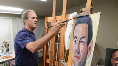 George Bush pinta retratos