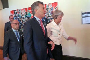 Mauricio Macri con primera ministra del Reino Unido Theresa May y el Ministro de Relaciones Exteriores y Culto Jorge Faurie