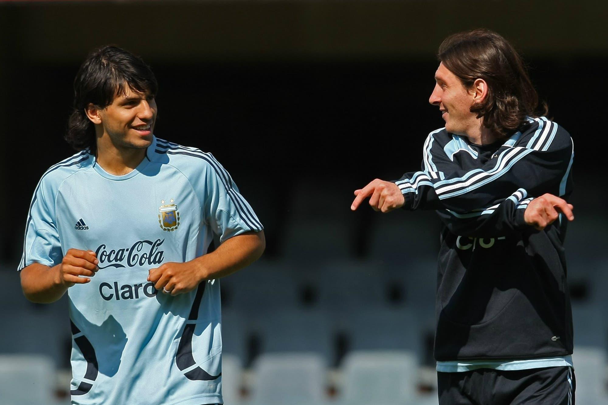 Cómo empezó una amistad: el día que Messi no estaba seguro de compartir la habitación con Agüero