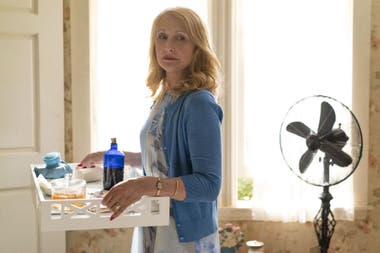 Patricia Clarkson como Adora, la complicada madre de Sharp Objects