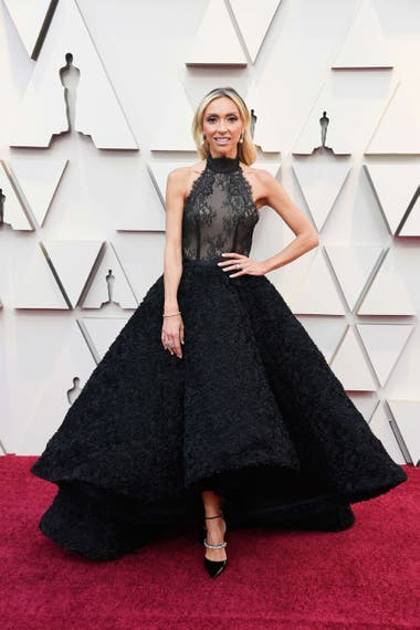 Giuliana Rancic, anfitriona de la red carpet para E!, lució un diseño de Kelly NG y zapatos Jimmy Choo