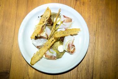 Berenjenas ahumadas con kefir, lardo y confit de limón.