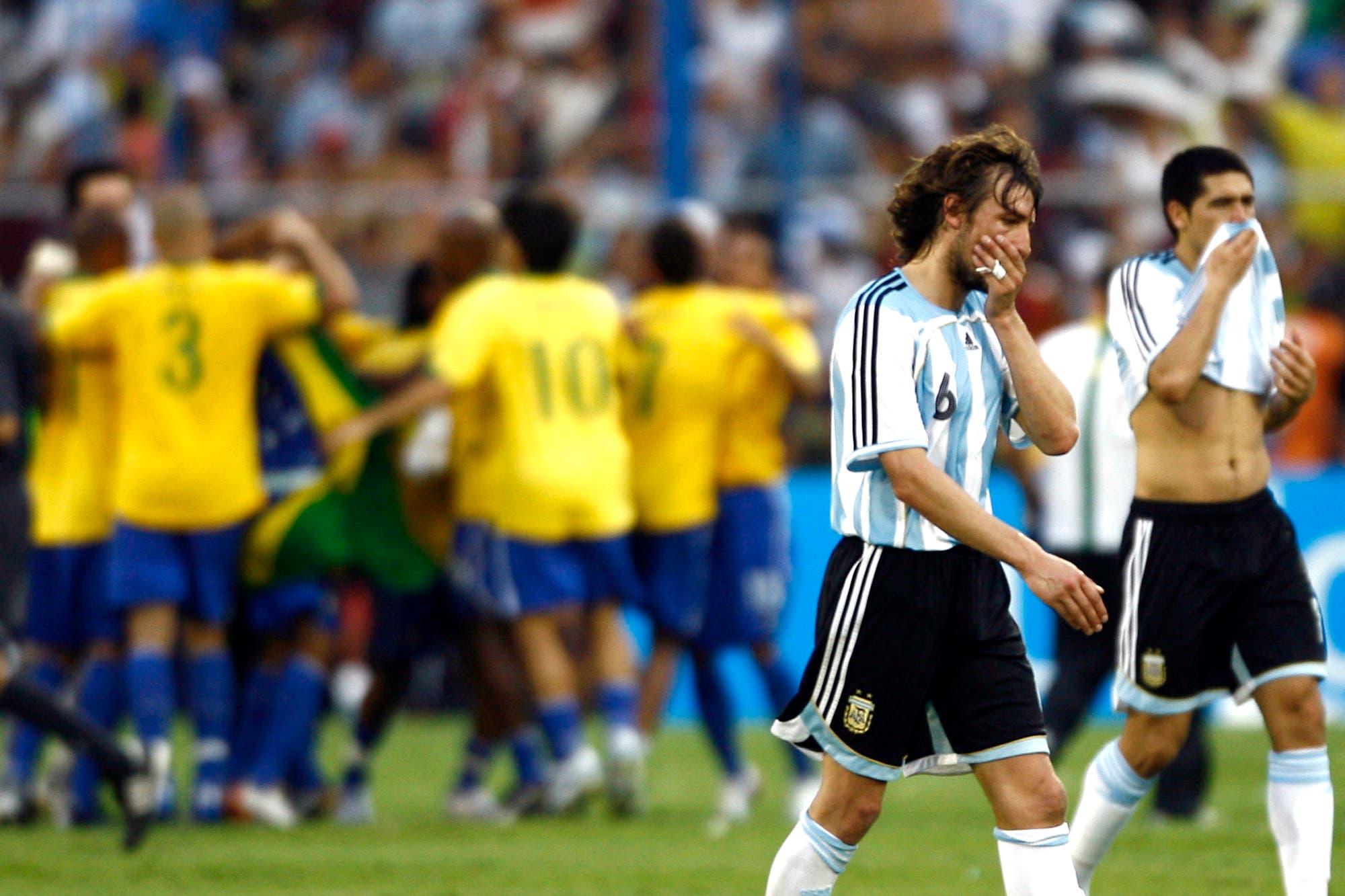 El historial de Argentina-Brasil: por qué a la selección le cuesta ganar los partidos importantes contra su clásico rival