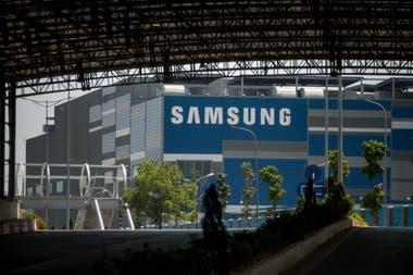 Una fábrica de Samsung en Bac Ninh. La compañía ha cerrado casi todas sus plantas de teléfonos inteligentes en China, y ahora ensambla en Vietnam alrededor de la mitad de los teléfonos que vende en todo el mundo