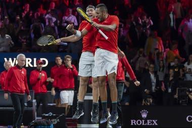 El festejo de Nick Kyrgios y Jack Sock tras vencer a Rafael Nadal y Stefanos Tsitsipas
