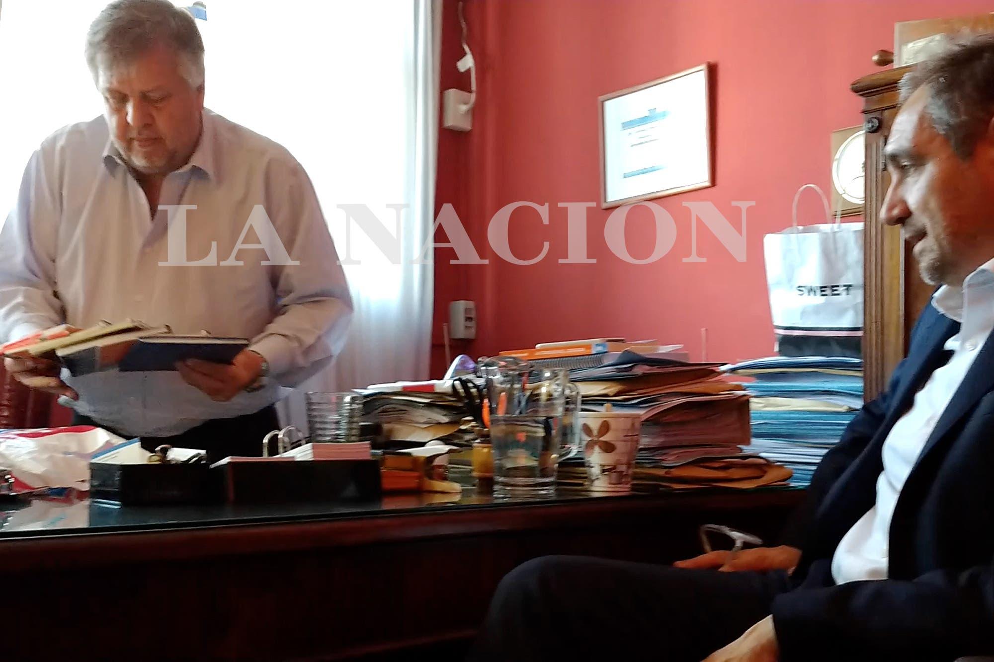 Una llamada anónima y un breve encuentro en Núñez
