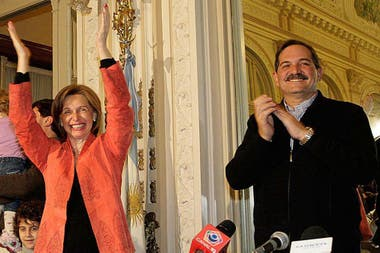 José Alperovich junto a su esposa, Beatriz Rojkés