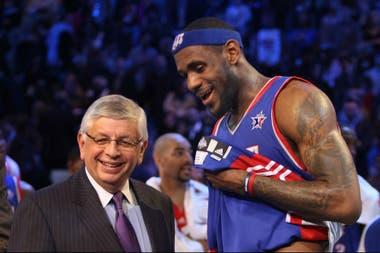 David Stern y LeBron James, en un Juego de las Estrellas en 2008