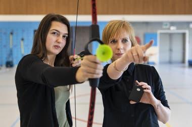 Hannah Holemans, a la izquierda, y Eefje Battle en el Campus de Innovación Deportiva de la Universidad Howest de Ciencias Aplicadas en Brujas, Bélgica