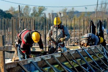 Los economistas creen que la construcción tendrá un repunte inmediato cuando las restricciones de la cuarentena comiencen a levantarse