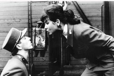 Trenes rigurosamente vigilados, la ópera prima de Jiri Menzel, ganó el Oscar a la mejor película extranjera