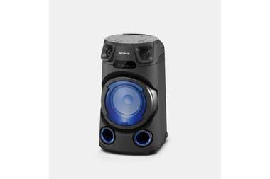 Buena onda. Para cuando regresen las reuniones con familiares y amigos, el sistema de audio MHC-V13, de Sony, incluye tecnología Bluetooth, alta potencia, luz multicolor y entrada para conectar una guitarra o un micrófono para hacer karaoke ($36.999).