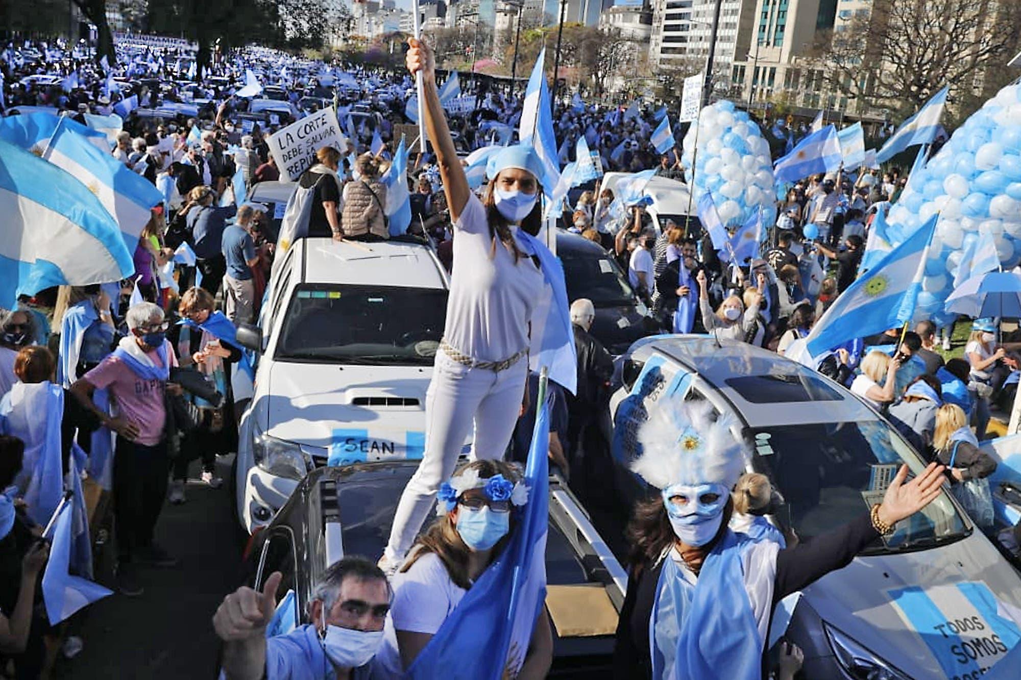 12-O. Banderazo contra el Gobierno: masivas movilizaciones en diferentes  puntos del país - LA NACION
