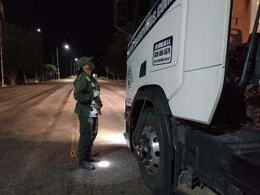 La Ruta Nacional 34 es un importante corredor utilizado por criminales; allí, los controles son constantes y fue este uno de los motivos que permitió a Gendarmería encontrar documentación clave para detectar los robos de caños