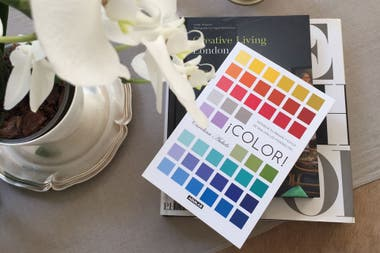 En su libro ¡Color!, Carolina explora la incidencia de los colores en nuestra vida diaria