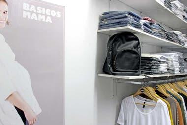 c37508d76 Recorrido  dónde comprar ropa para embarazadas a buenos precios. Básicos  mamá