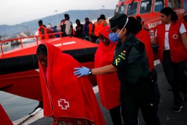 Sánchez y Macron quieren centros de migrantes para contener la crisis