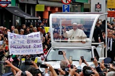 El arzobispo Carlo Maria Viganó denunció sin pruebas a varios pesos pesados de la Curia romana
