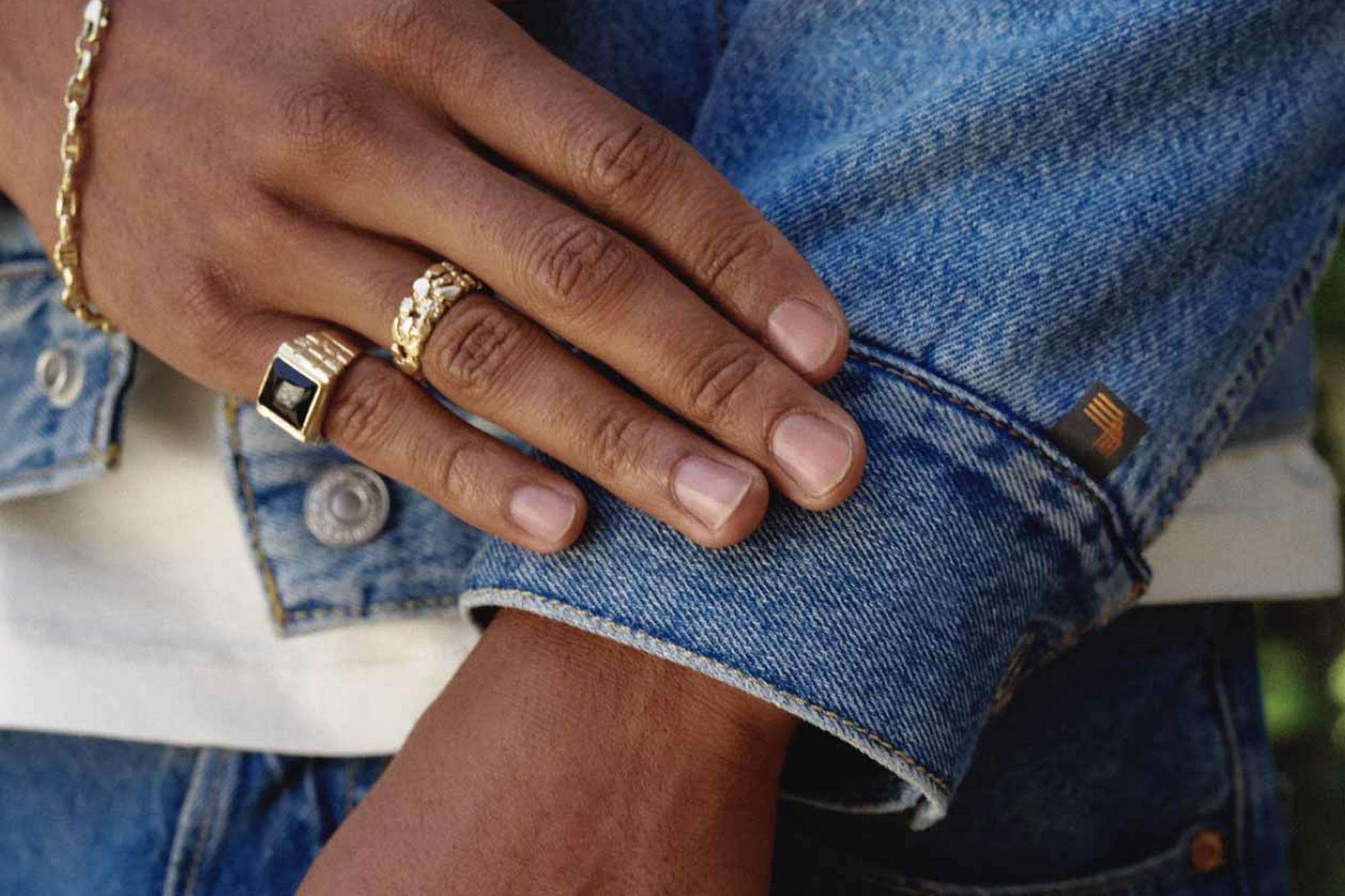 Google redobla su apuesta por los dispositivos electrónicos vestibles con una campera de jean