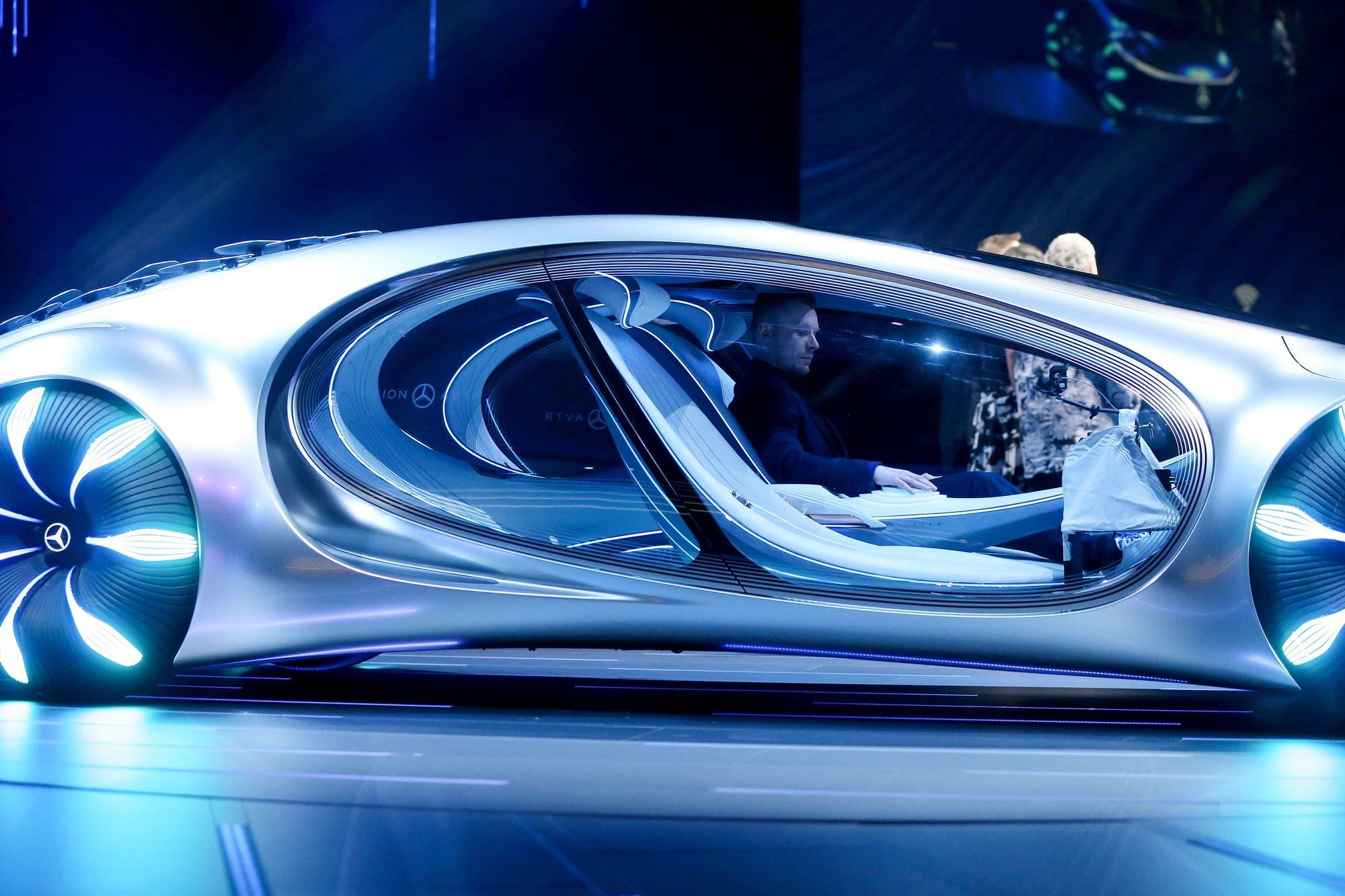 El parabrisas del futuro auto autónomo mostrará mapas 3D, videollamadas... y publicidad