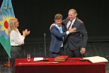El gobernador Axel Kicillof, al tomarle juramento a Sergio Berni como ministro de Seguridad