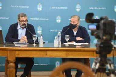El gobernador Rodolfo Suarez puso a funcionarios de Salud y Seguridad a brindar explicaciones sobre el preocupante avance de la pandemia en tierra cuyana.