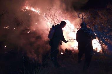 El fuego, en agosto, no dio tregua por dos semanas en Córdoba.
