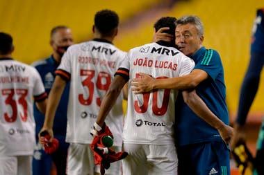 Domenec Torrent, el DT de Flamengo, tiene 58 años. Está expuesto por los casos de coronavirus que se conocieron en el plantel.
