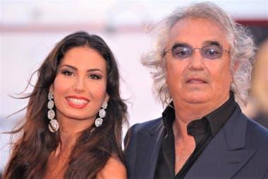 Elisabetta Gregoraci junto con Flavio Briatore, amigo de Schumacher