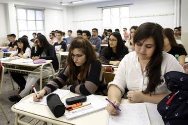 En 10 años, creció el 38% la cantidad de mujeres que estudian en la UTN; sin embargo, solo representan el 20% del alumnado total; las 15 carreras tienen presencia femenina