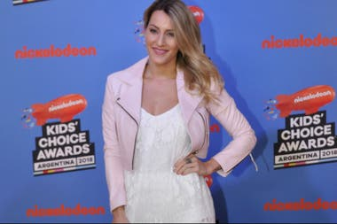 Mica Viciconte en los Kids Choice Awards