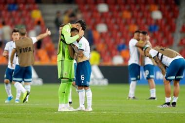 Los jugadores argentinos, desolados por la eliminación.