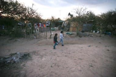 La media de la pobreza en Cruz del aire es más alta que en el resto de la provincia.
