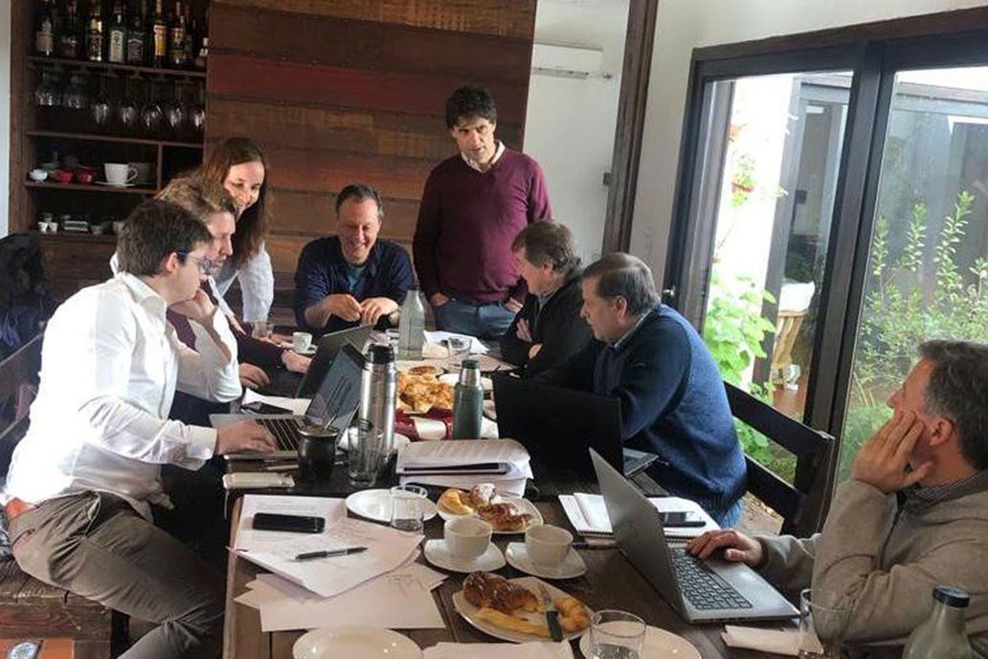 Hernán Lacunza confirmó a parte de su equipo económico