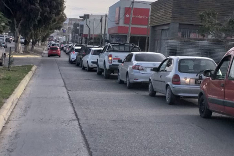 Chubut: falta combustible en la provincia tras seis días de protesta en una planta de YPF
